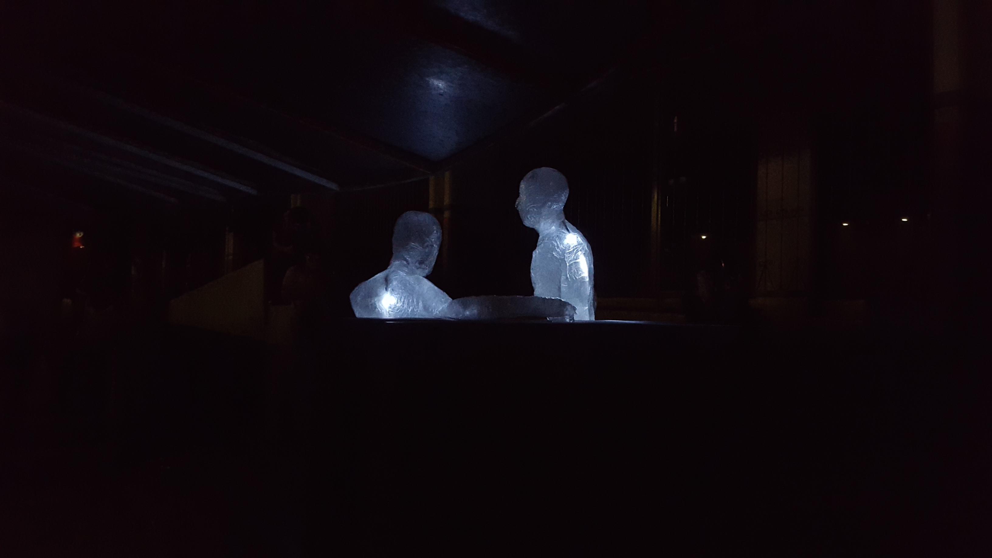 Combaten con arte fallas en iluminación urbana