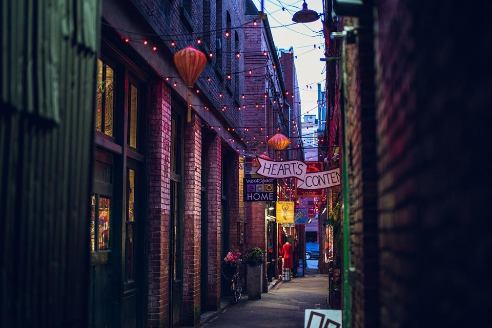 Recuperan callejones urbanos para reconstruir el tejido social