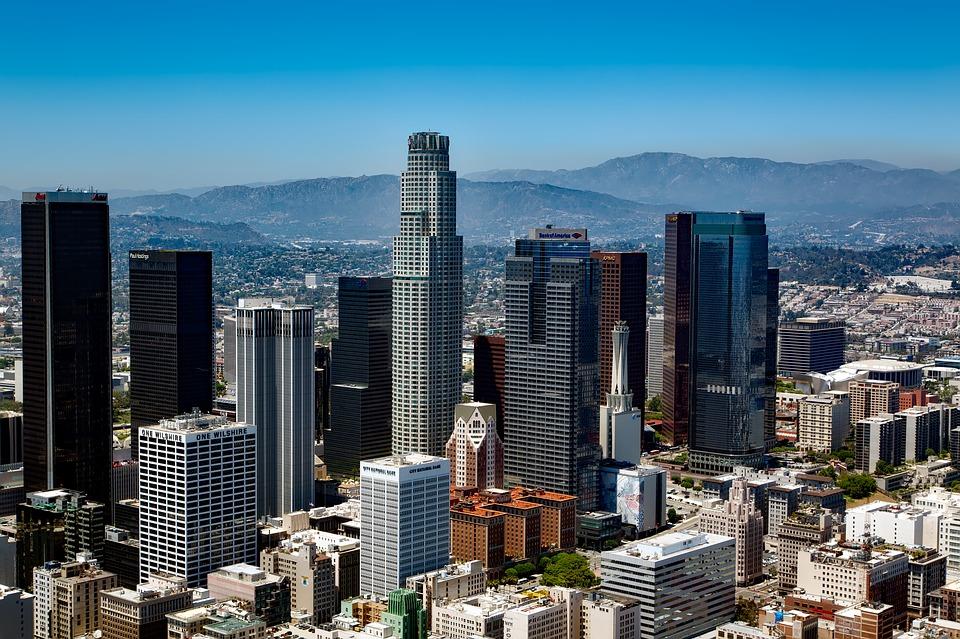 Ciudadanos en Los Ángeles aceptarían pagar más por calles caminables