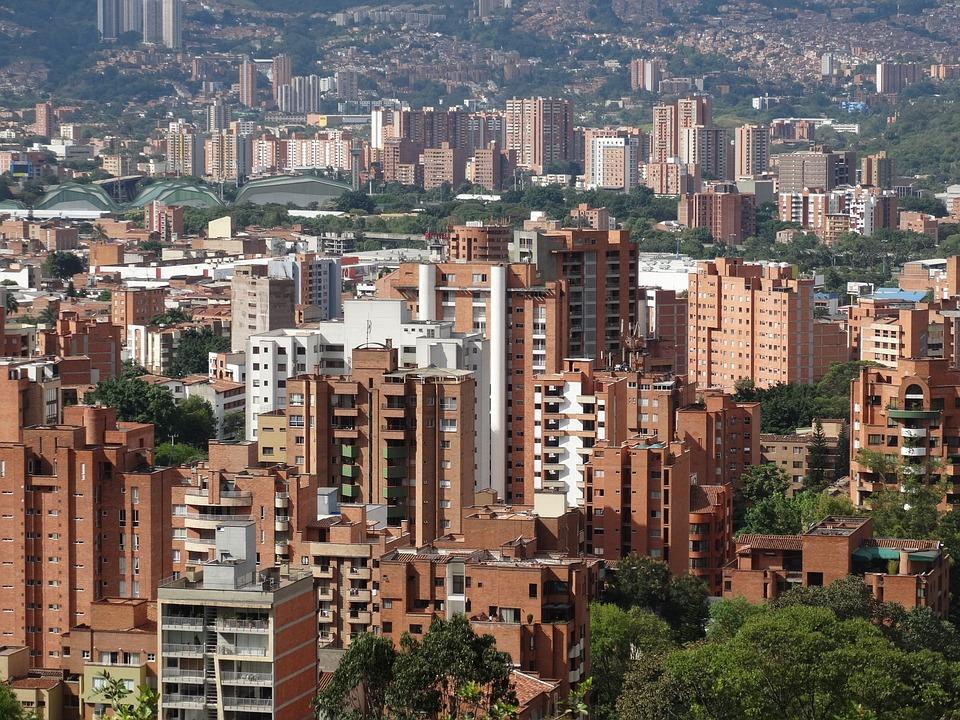 Advierten crecimiento de contaminación en Medellín