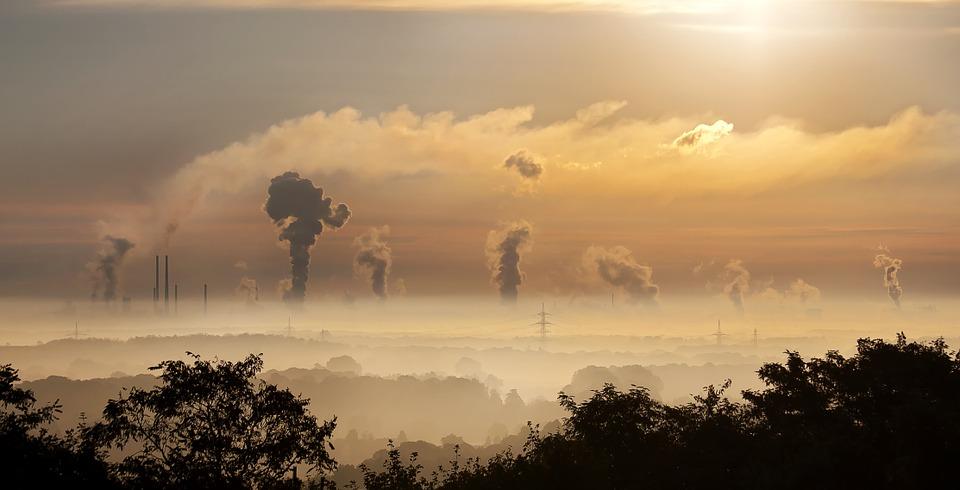 Contaminación en el aire de casa: creciente reto de las ciudades y pueblos