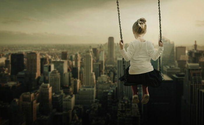 Niños espacio público ciudades