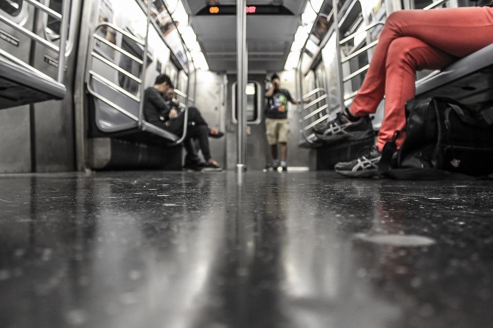 Continúan fallas en el Metro capitalino