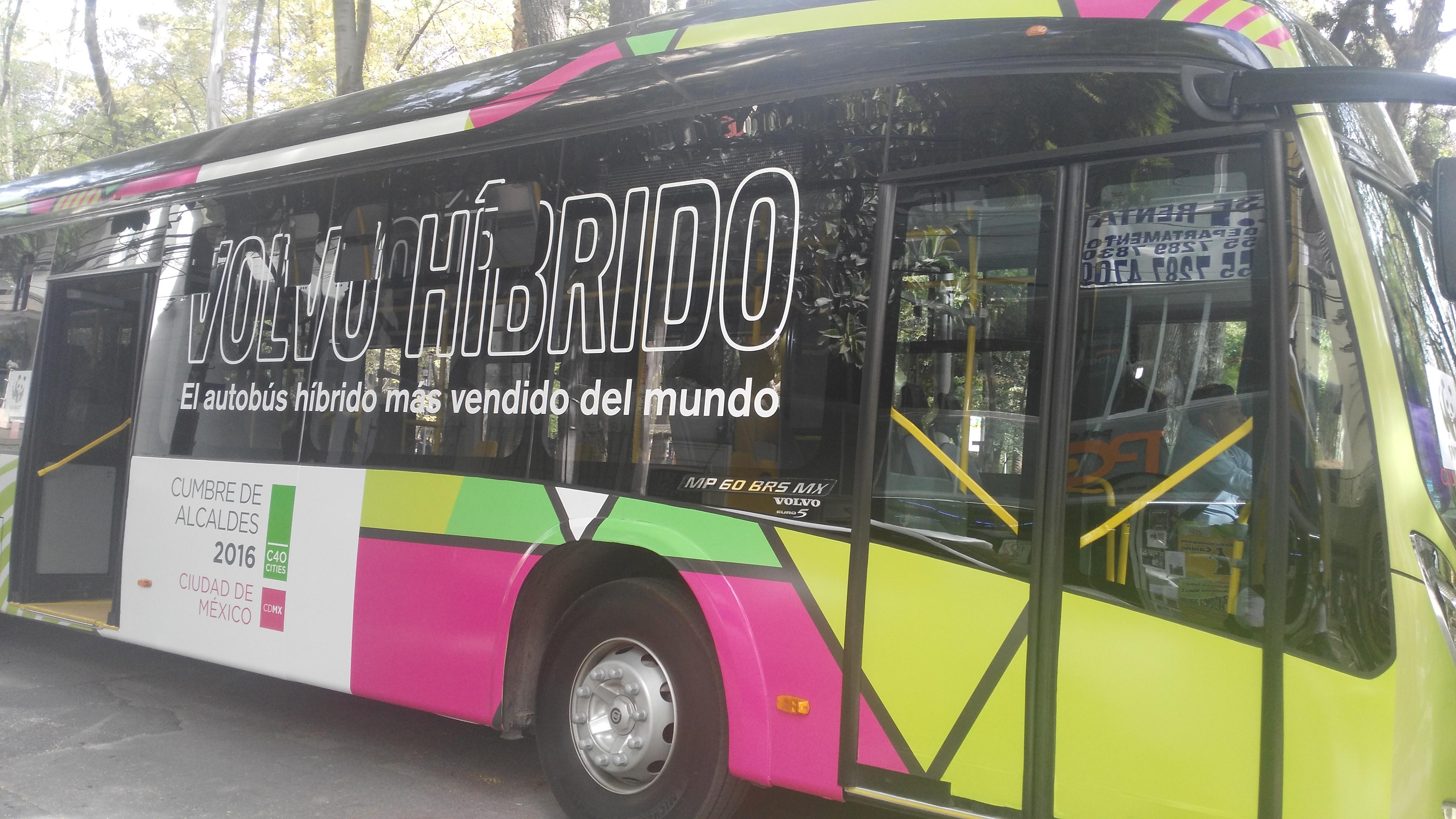Primer autobús híbrido-eléctrico llega desde Suecia a la CDMX