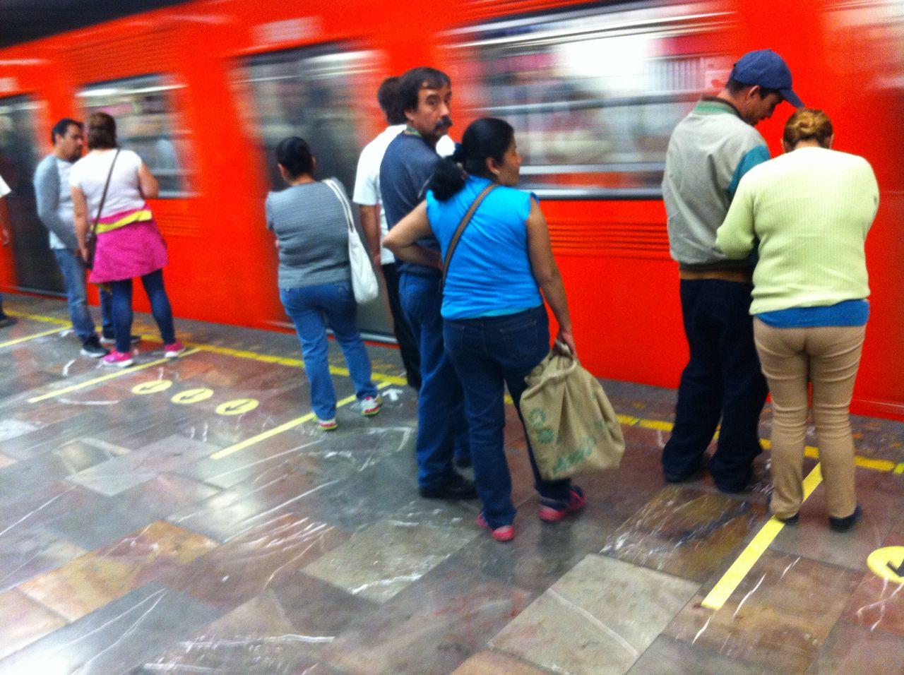 Un experimento pone orden en el Metro de CDMX