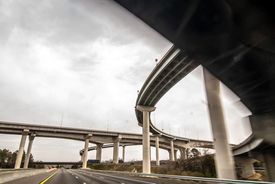 Viaductos elevados, el dilema de la movilidad