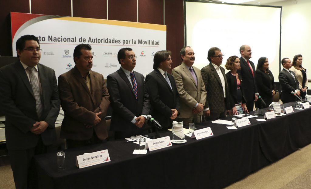 Firman Pacto de Movilidad Sustentable
