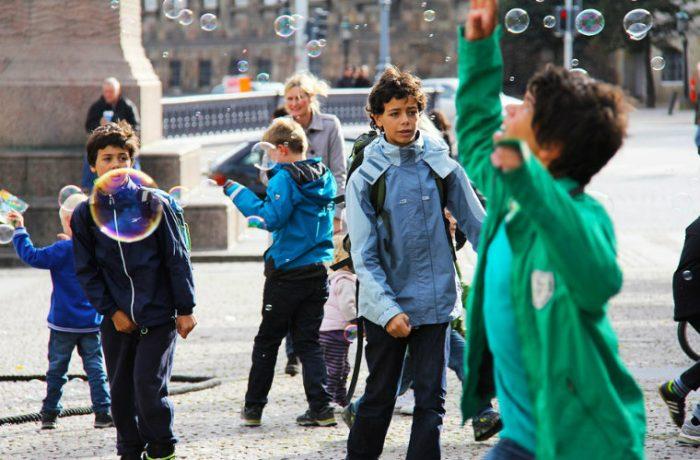 Los niños y las ciudades incluyentes