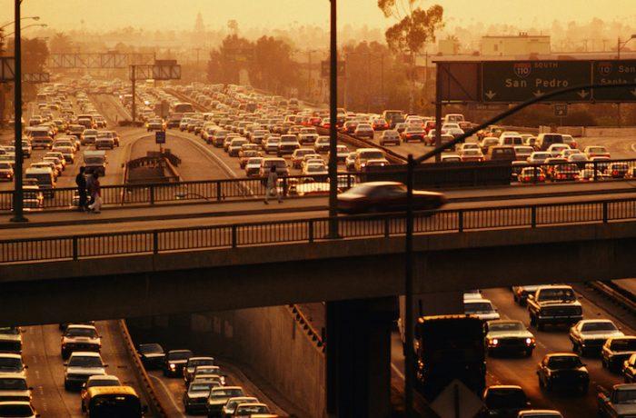 Europa apunta a dejar de vender autos de gasolina para 2040