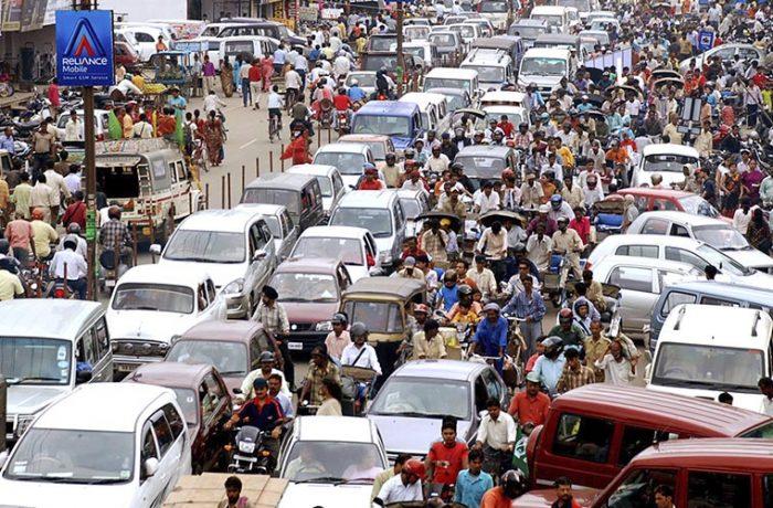 India quiere que todos sus autos sean eléctricos, en 15 años