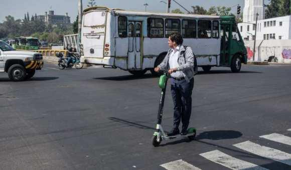 El problema de los monopatines o bicis sin anclaje es la mala gestión de la ciudad